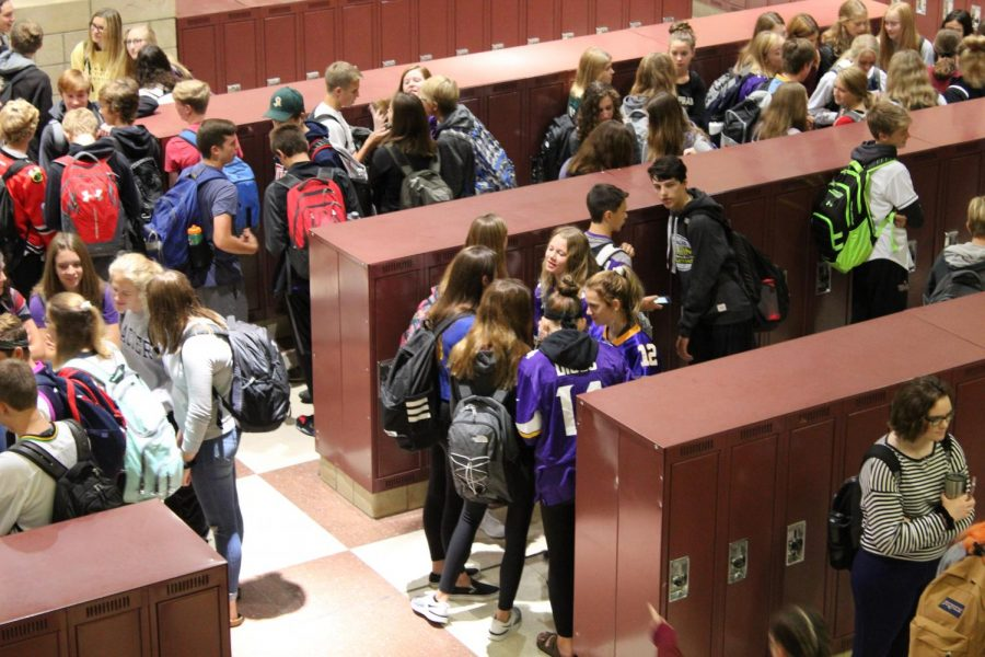 Vikings fans packed the lockerbank on sports day.