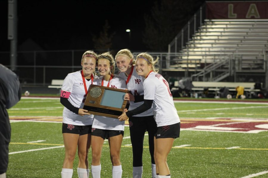 Captains accept the Section 1AA runner up trophy.