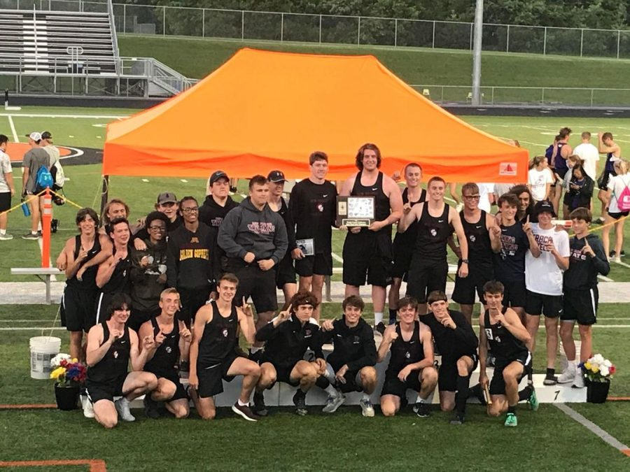 Boys+track+and+field+team+wins+Wright+County+Conference+East+championship